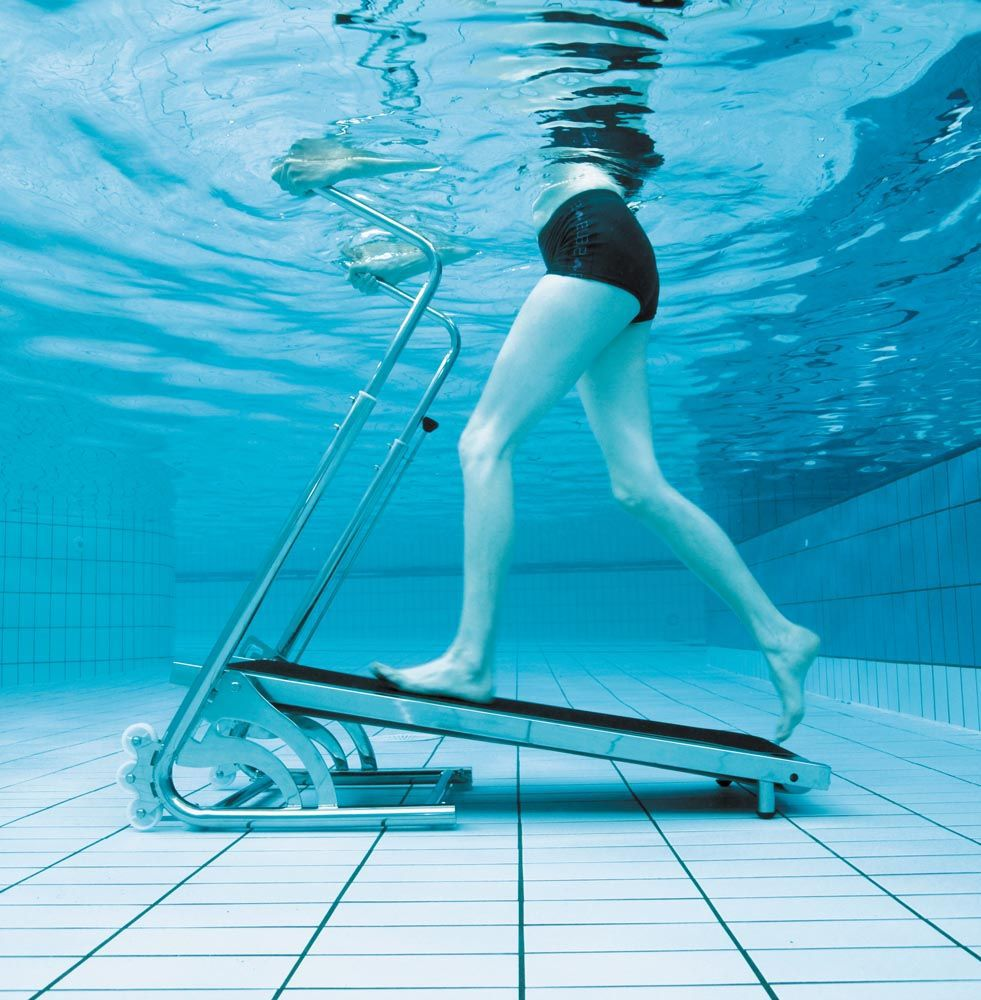aqua aerobics treadmill classes in pool in dublin